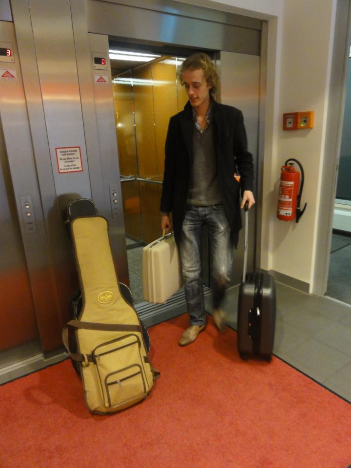Ferran de tour manager!